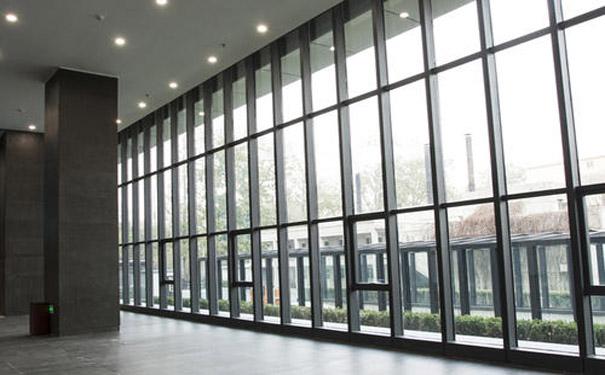 为什么写字楼都使用玻璃幕墙?有哪些好处